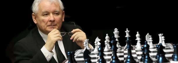 Jarosław Kaczyński i wielka szachownica