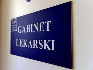 Przemilczany problem polskich lekarzy