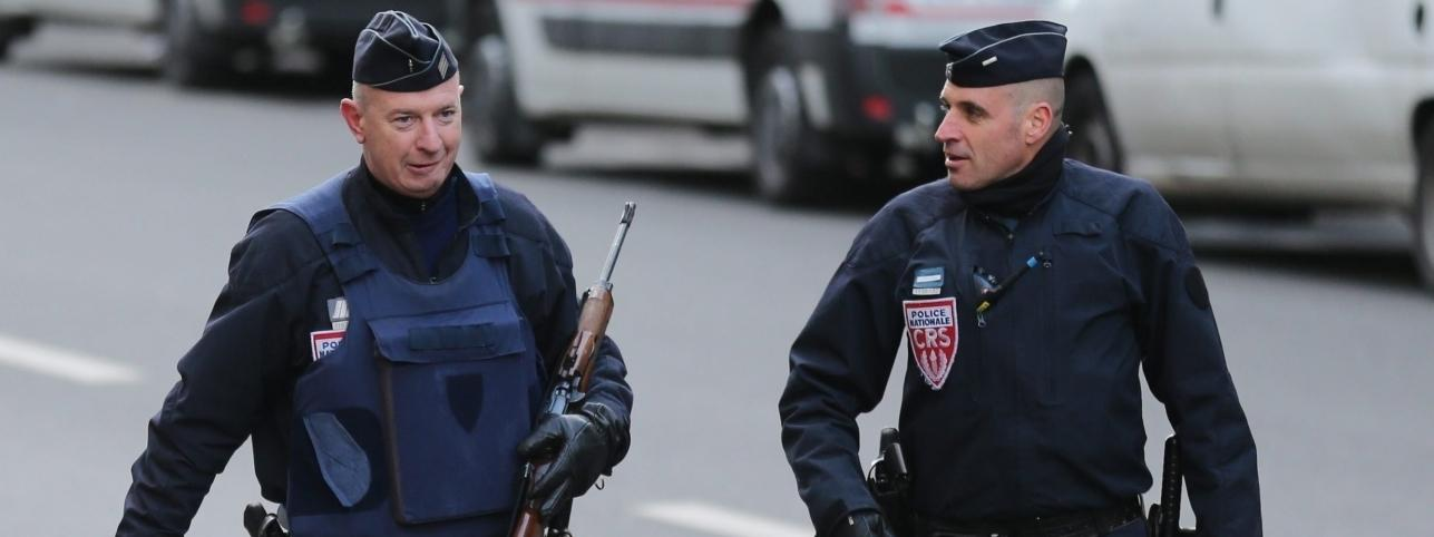 muzułamie francja policja