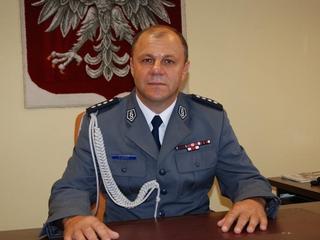 Nocny wypad szefa wrocławskiej policji. Pijany i bez butów leżał pod sklepem