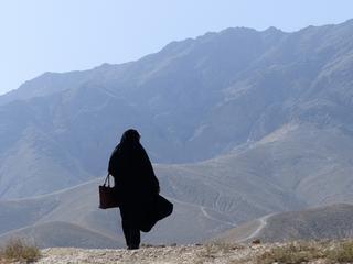 Musiała uciekać, kiedy ojciec zginął, broniąc jej przed niechcianym ślubem