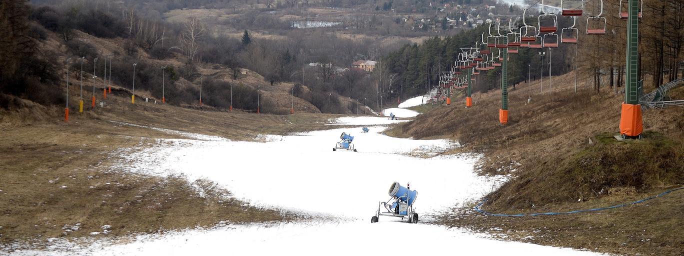 stok narty narciarstwo śniego