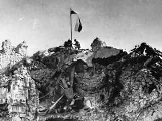 Gruzy na szczycie. Piekło walk o Monte Cassino