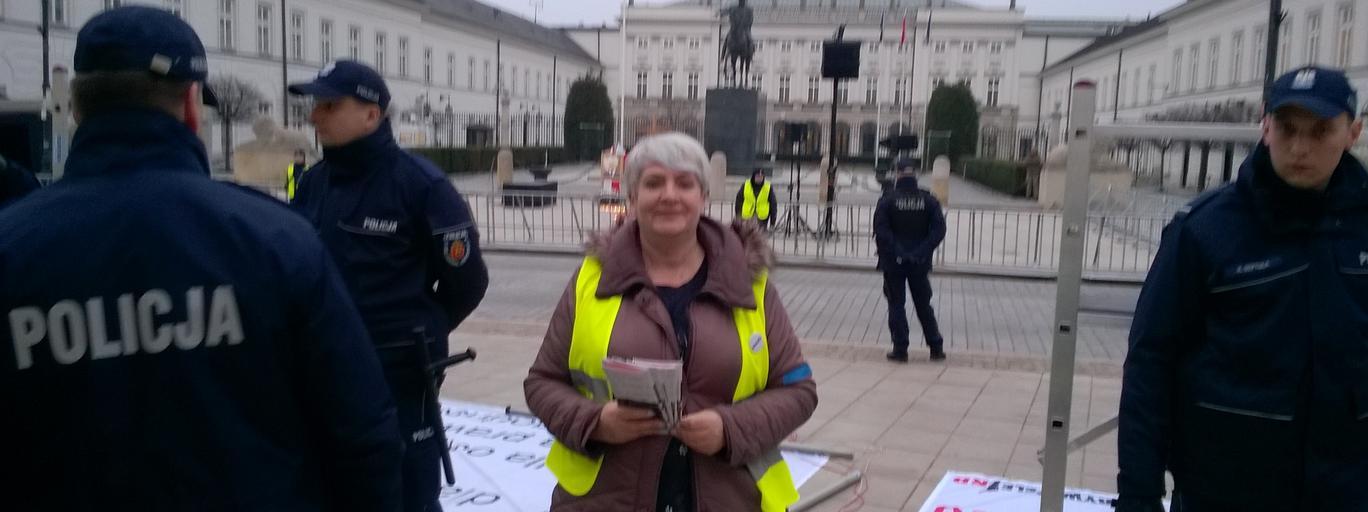 Krystyna Malinowska podczas jednej z demonstracji
