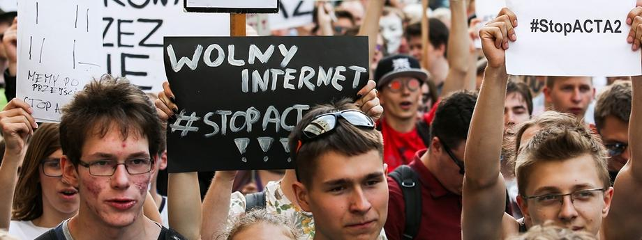 Protest przeciwko nowej dyrektywie UE o ochronie praw autorskich nazywanej przez przeciwników ACTA II