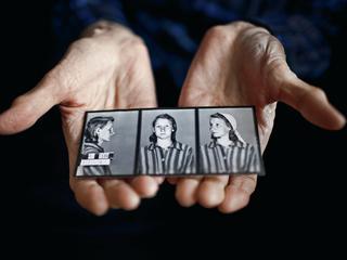 """""""W Auschwitz mgła brała się z ludzi. Obozowy dym to zawiesina z trupów, spalonych kości i mięsa"""""""