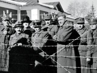 We wrześniu 1939 r. tysiące Polaków uciekły na Węgry i do Rumunii. Jak ich tam przyjęto?
