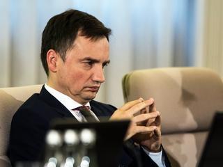 """Sejm nie wykonał egzekucji sądów. """"To pierwsze takie pęknięcie w obozie PiS"""""""