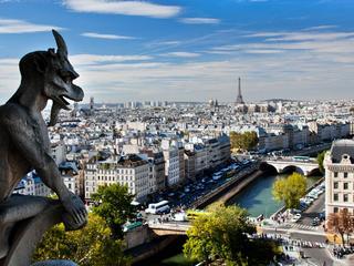 Paryż niejedną ma twarz