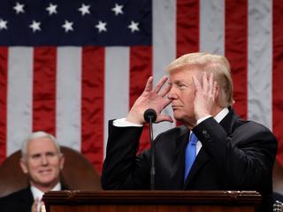 Żeby powstrzymać Trumpa przed szaleństwami doradcy podkradali mu dokumenty