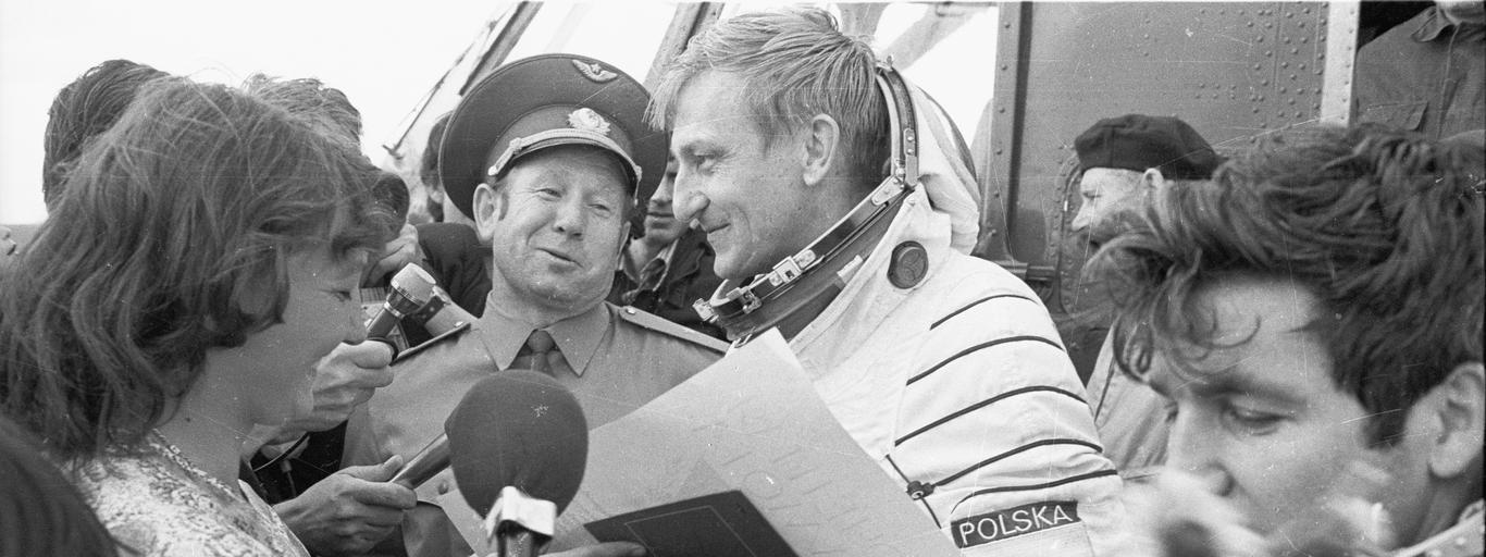 Powitanie Hermaszewskiego i Klimiuka po locie w kosmos