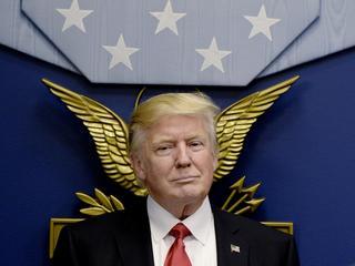 Trump chciał się popisać. Ujawnił Rosjanom ściśle tajne informacje