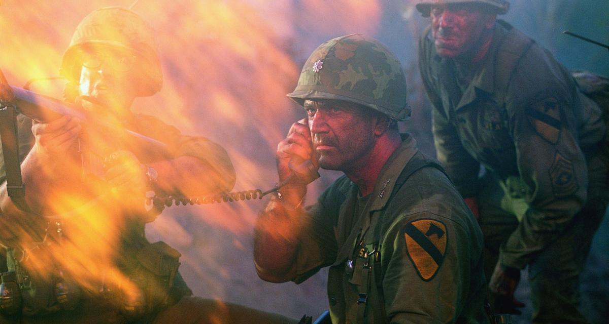 Hal Moore, bohater, któregorozsławiłMelGibson