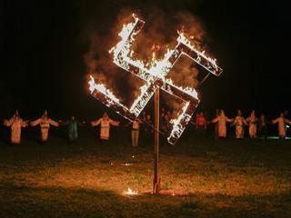 """Neonaziści będą """"świętować"""" urodziny Hitlera"""