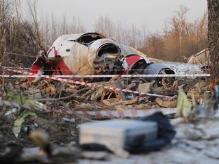 Podkomisja smoleńska jest pewna: To wybuch zniszczył skrzydło Tu-154