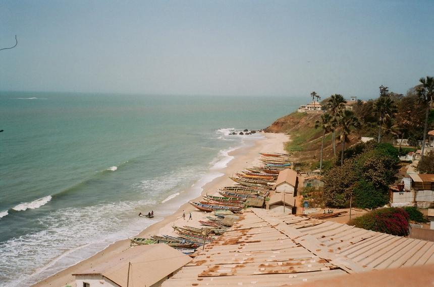 Gambia jest najmniejszym pod względem powierzchni państwem kontynentalnej Afryki. Zajmujące jedynie wąski, 50-kilometrowy skrawek lądu.