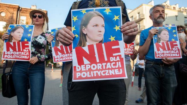 Demonstracja przeciwników deportacji Ludmi?y Koz?owskiej