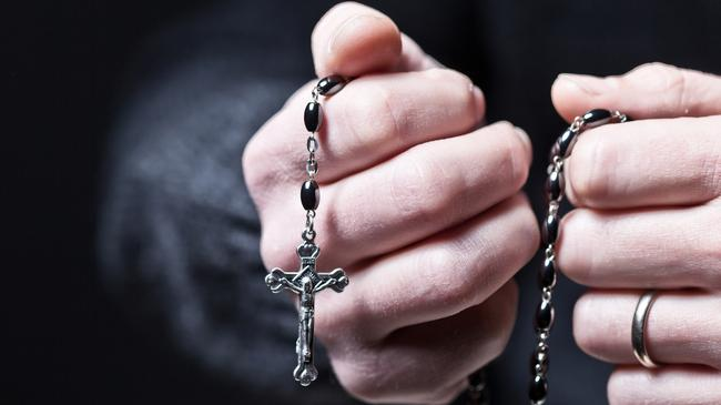 hands and rosary