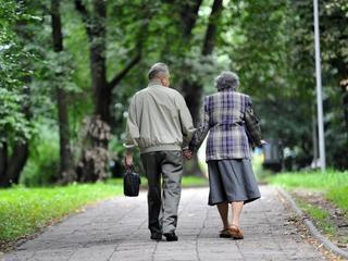 Skąd wziąć pieniądze na emerytury? Morawiecki rozważa rewolucję