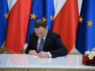 """Prezydent podpisał nowelizację ustaw sądowych. Niezgodność z konstytucją? """"Nie widzimy"""""""
