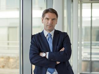 Tomasz Lis: Władza PiS zaczęła oferować Polakom towar najbardziej deficytowy – nudę