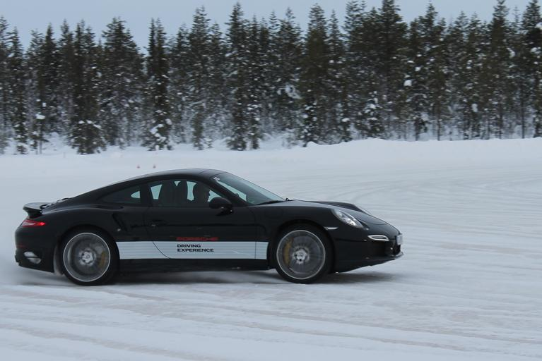 Porsche za kołem podbiegunowym