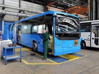 Autobusy dla wojska wyprodukują Niemcy. Resort Macierewicza widział to inaczej