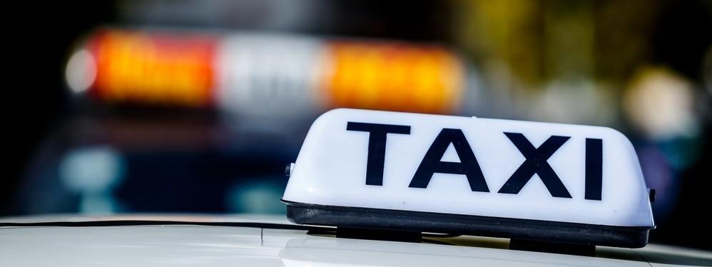 taxi taksówka