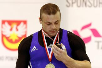 Kibic pozywa olimpijczyka przyłapanego na dopingu