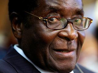 Żeby utrzymać się przy władzy, Mugabe mordował rywali i fałszował wybory
