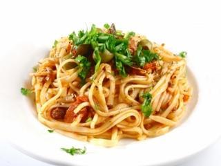 Pasta presto: trzy pomysły na szybki obiad z makaronem