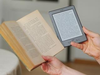 Naukowcy o wyższości papierowych książek nad e-bookami