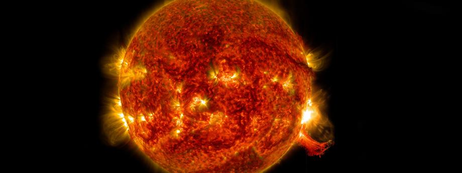 Sun Emits Mid-Level Solar Flare