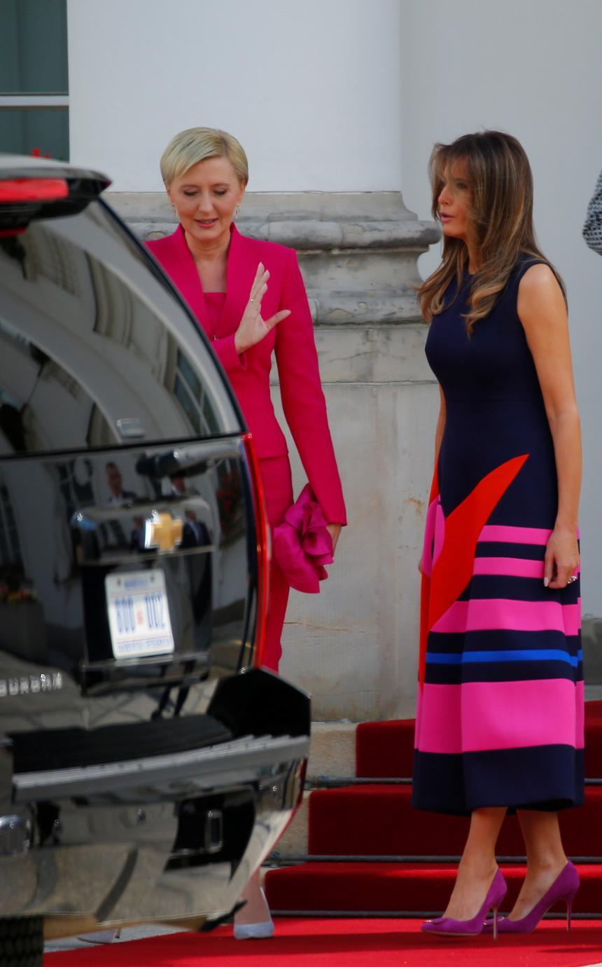 Melania Trump i Agata Kornhauser-Duda w drodze do Centrum Naukowego Kopernik.