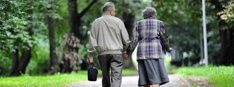 Starsi para małżeństwo seniorzy ludzie starsi