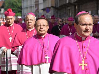 Bezprecedensowy list intelektualistów do biskupów. Chcieli głosu w obronie fundamentalnych wartości