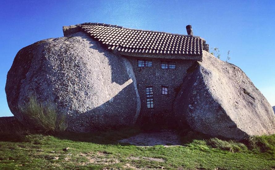 Kamienny dom, który spodobałby się Flinstonom