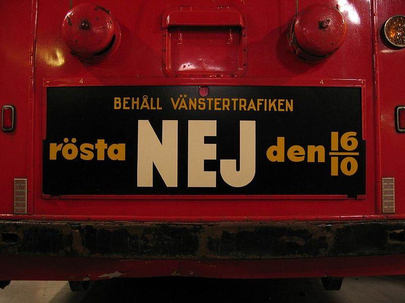 Plakat na sztokholmskim trolejbusie nawołujący do głosowania przeciwko zmianie na ruch prawostronny podczas referendum 16 października 1955.