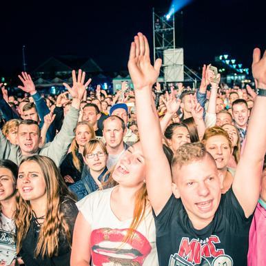 Energylandia – Top Stars Festival: ludzie imprezy [ZDJĘCIA PUBLICZNOŚCI]