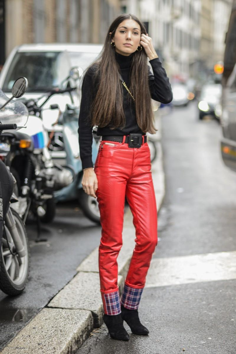 Trendy jesień 2016:  czerwone spodnie
