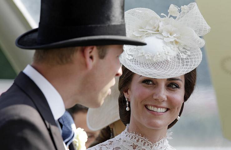 Szerelemmel néz férjére a hercegné. Fotó: Puzzlepix