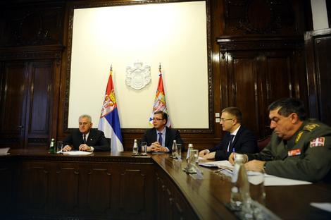 Nikolić i Vučić na Savetu za nacionalnu bezbednost
