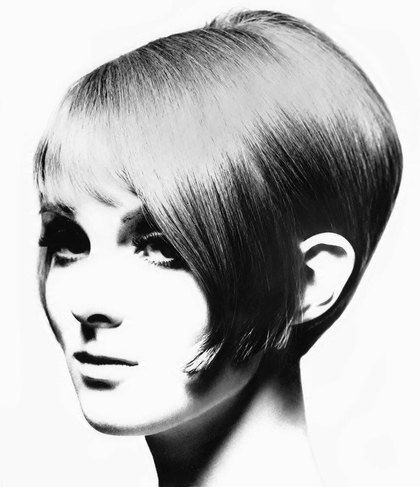 EAST NEWS - zdjęcie do działu uroda w Vogue US z pierwszej połowy lat 60-tych - modelką jest Grace Coddington