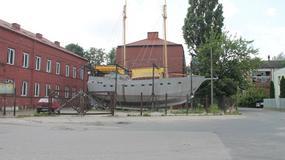 """Bezdomni budują statek, by opłynąć świat. """"Uczymy ich żeglować, nie dryfować"""""""