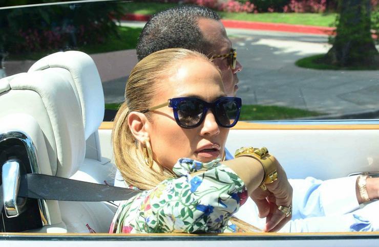 Jennifer Lopez és Alex Rodriquez az énekesnő Tom Fordhoz igyekezett hétfőn Los Angelesben/ Profimedia-Reddot
