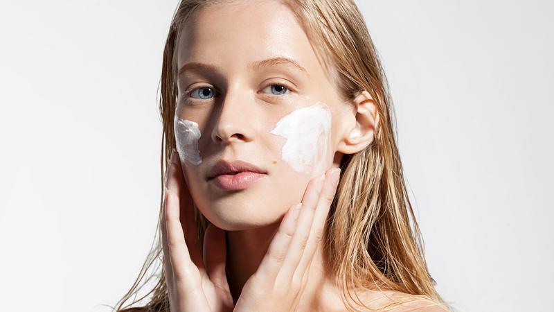 Nawilżanie skóry twarzy