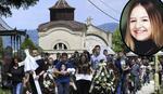 NA SAHRANU UMESTO NA MATURU Porodica i školski drugovi oprostili se od maturantkinje iz Kragujevca