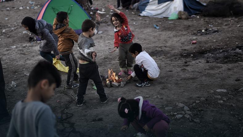 Dzieci w obozie dla uchodźców w Grecji