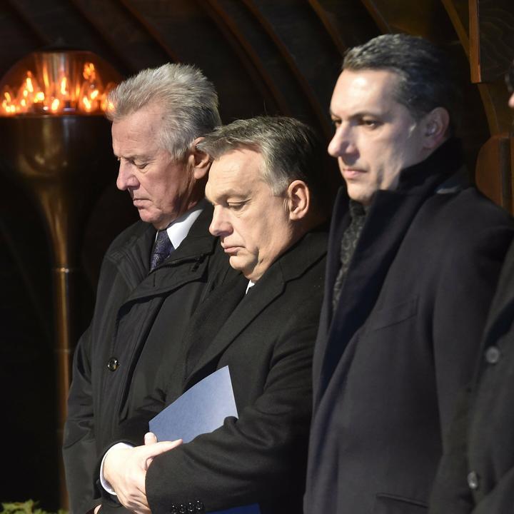(Balról) Schmitt Pál, Orbán Viktor és Lázár János / Fotó: MTI Máthé Zoltán