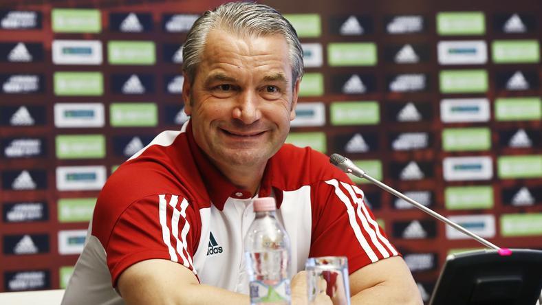 A szövetségi kapitány Bernd Storck kíváncsian várja, az edzőtáborban és a mérkőzésen mit mutatnak meg az új behívottak /Fotó: Fuszek Gábor